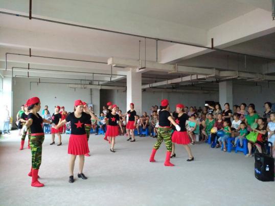 辣妈队舞蹈《阿哥阿妹》